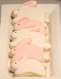 Tray-of-easter-bunny-cookies-349x450